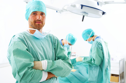 http://www.medipark.pl/wp-content/uploads/2016/08/shutterstock_4075453_chirurg.jpg